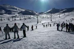 Skiing-in-Sierra-Nevada